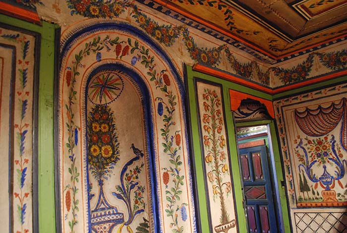 Dolgiras Mansion wall paintings