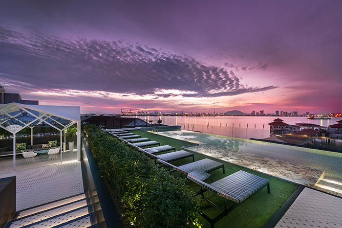 27 Prestige ROOFTOP POOL01